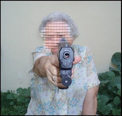 Elle sort son pistolet pour une place de parking