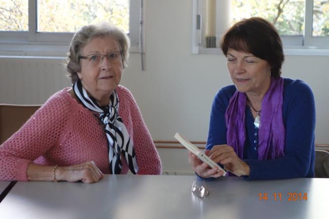 Marie-Hélène Prouteau à droite et Nicole Leclercq l'animatrice.